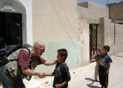 Distribuzione farmaci ad Ain el Helweh